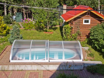 Строительство композитного бассейна на даче